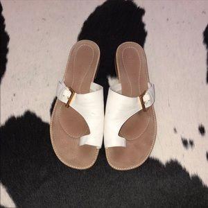 Unisa white leather toe ring sandals, size 8